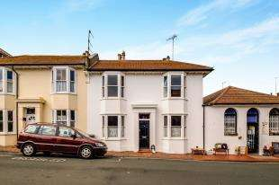 3 Bedrooms Terraced House for sale in Park Road, Rottingdean, East Sussex, .