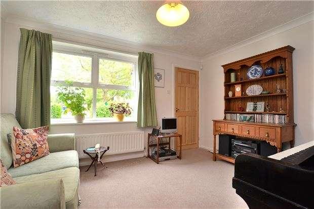 1 Bedroom Flat for sale in Rowan Grove, Oxford, OX4 7FD