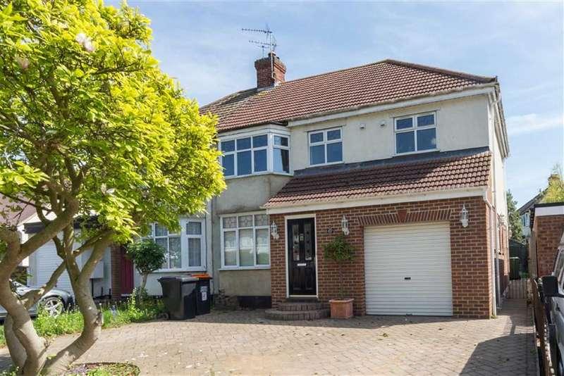 5 Bedrooms Property for sale in Western Way, Dunstable, Bedfordshire, LU5