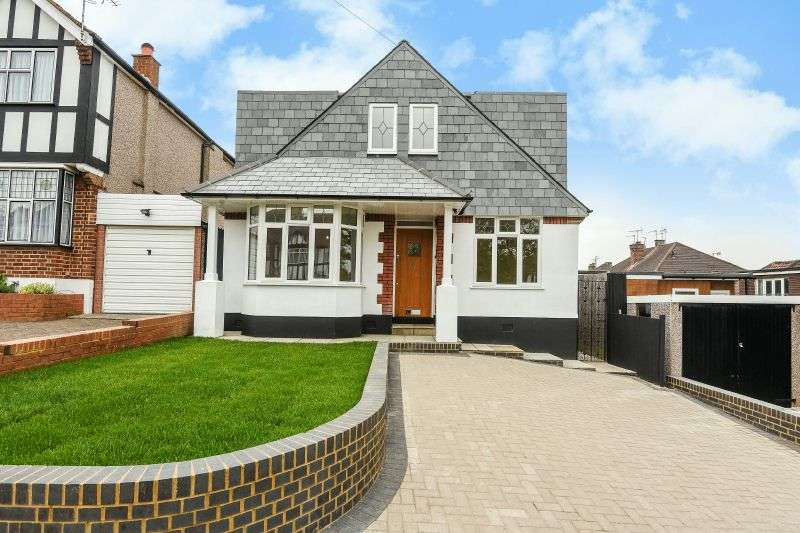 4 Bedrooms Detached Bungalow for sale in Potter Street, Northwood