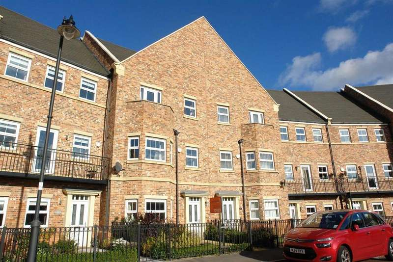 4 Bedrooms Town House for rent in Featherstone Grove, Great Park, Newcastle Upon Tyne