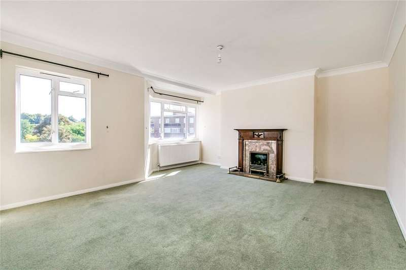 3 Bedrooms Flat for sale in Queens Court, Queens Road, Richmond, Surrey