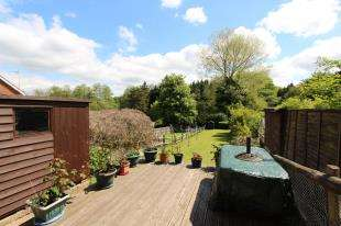 3 Bedrooms Semi Detached House for sale in High Street, Horam, Heathfield, East Sussex