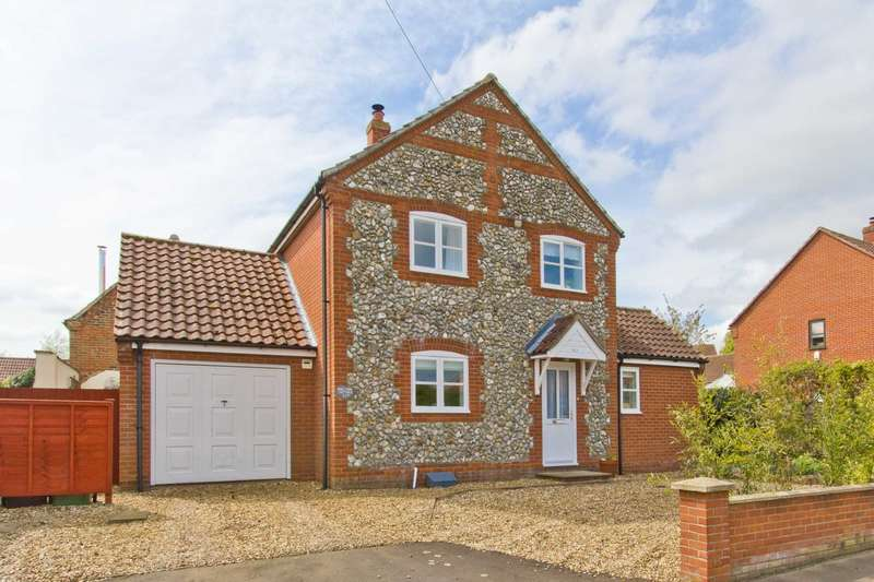 3 Bedrooms Detached House for sale in Fakenham Road, Great Ryburgh