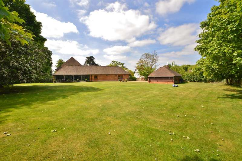 5 Bedrooms Barn Conversion Character Property for sale in Court Farm Barn, Aylesford