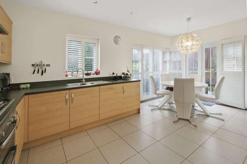 5 Bedrooms Detached House for sale in Bill Deedes Way, Aldington, Ashford TN25