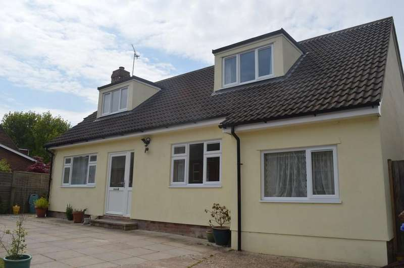 4 Bedrooms Detached Bungalow for sale in Cornfield Road, Bury St Edmunds
