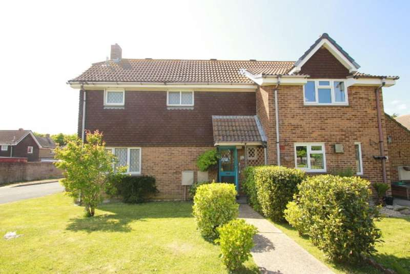 2 Bedrooms Semi Detached House for sale in St. Swithins Crescent, Yarmouth