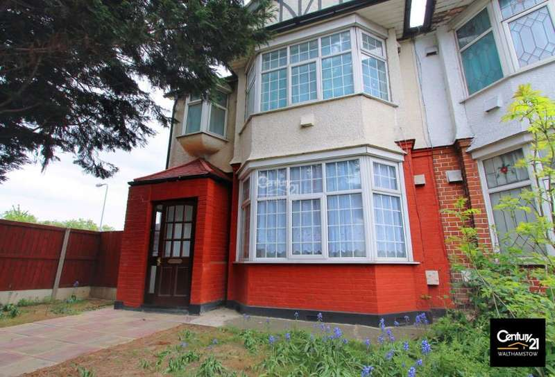3 Bedrooms House for sale in 5 Bedroom House with Drive In Separate Garage. Big House in Ilford IG1