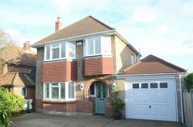 3 Bedrooms Detached House for sale in Mount Pleasant Drive, Queens Park, Bournemouth