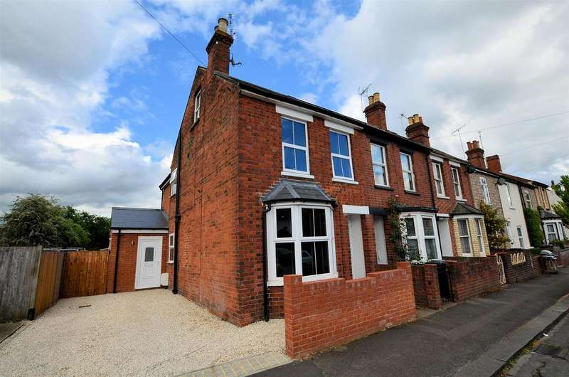 3 Bedrooms End Of Terrace House for sale in Stone Street, Reading
