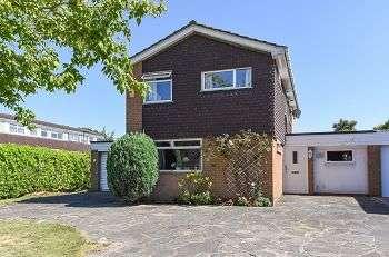 4 Bedrooms Detached House for sale in Broadheath Drive, Elmstead Woods, Chislehurst, Kent, BR7 6EH