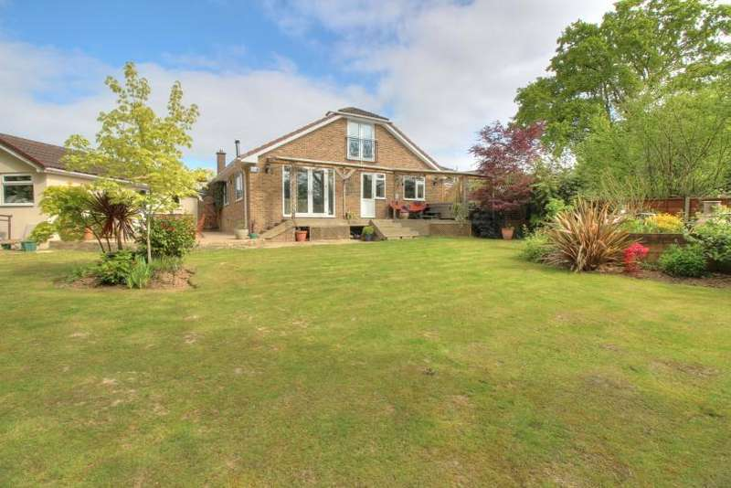 4 Bedrooms Chalet House for sale in Corinthian Road, Scantabout, Chandlers Ford