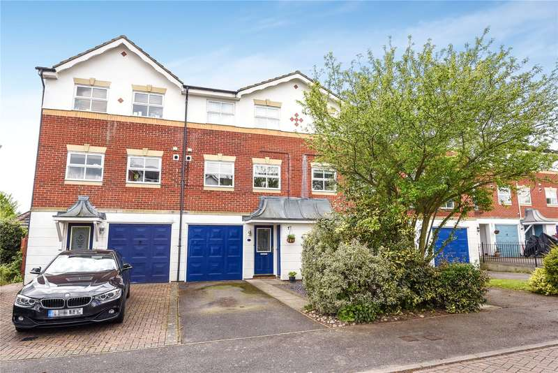 3 Bedrooms Mews House for sale in Longman Close, Watford, WD18