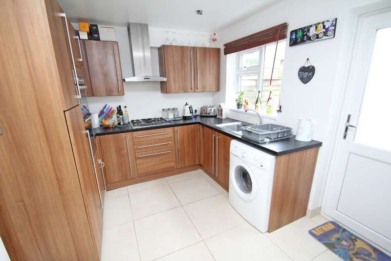2 Bedrooms Terraced House for sale in Bush Terrace, Portslade, East Sussex, BN41 2EZ