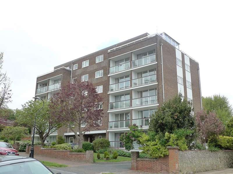 3 Bedrooms Apartment Flat for sale in Carlisle Road, Eastbourne, BN20