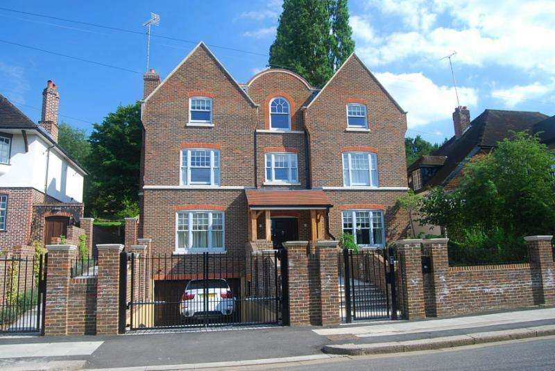 7 Bedrooms Detached House for rent in Home Park Road, Wimbledon, London, SW19