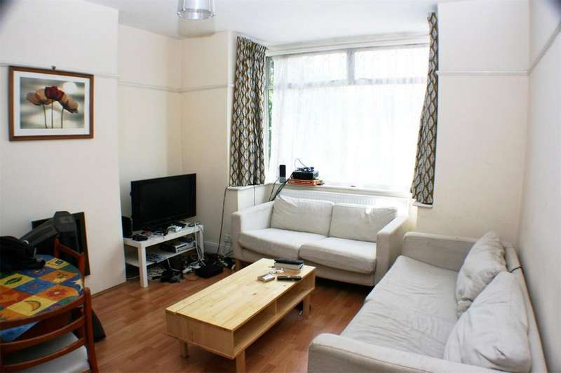 4 Bedrooms Terraced House for rent in Muller Road, Horfield, Bristol, BS7