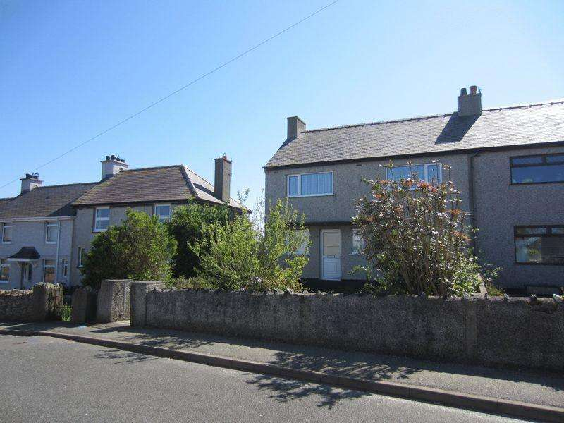 3 Bedrooms Semi Detached House for sale in 9 Maes Padrig, Cemaes Bay