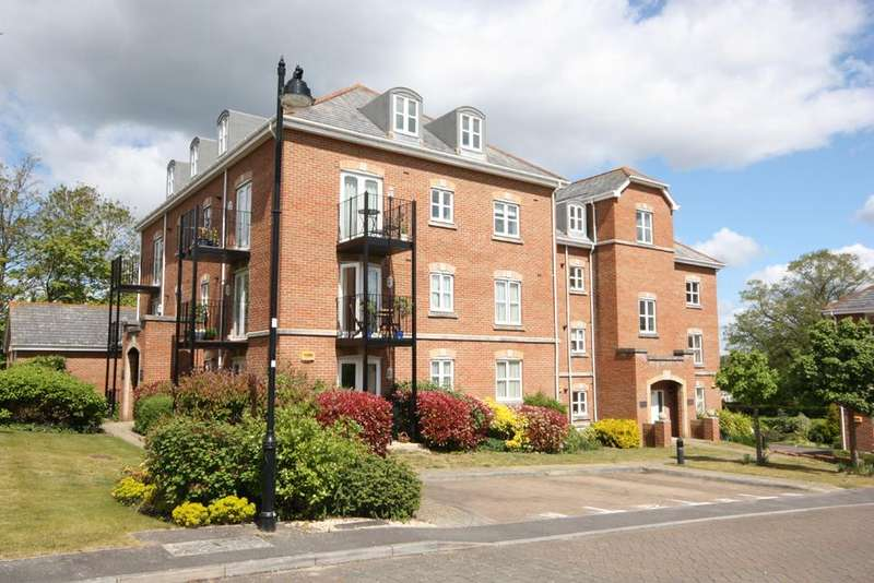 1 Bedroom Penthouse Flat for sale in Brockenhurst Court, Hillcroft Close, Lymington SO41