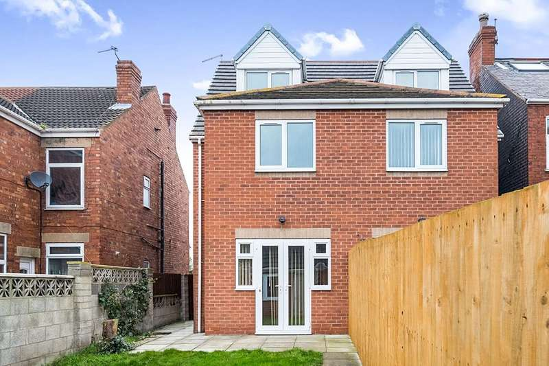 3 Bedrooms Semi Detached House for sale in Doe Quarry Lane, Dinnington, Sheffield, S25