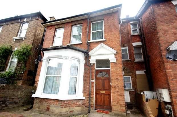 3 Bedrooms Flat for sale in Nicoll Road, Harlesden, London