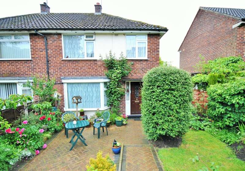 3 Bedrooms Semi Detached House for sale in Sandringham Road, Cheadle Hulme