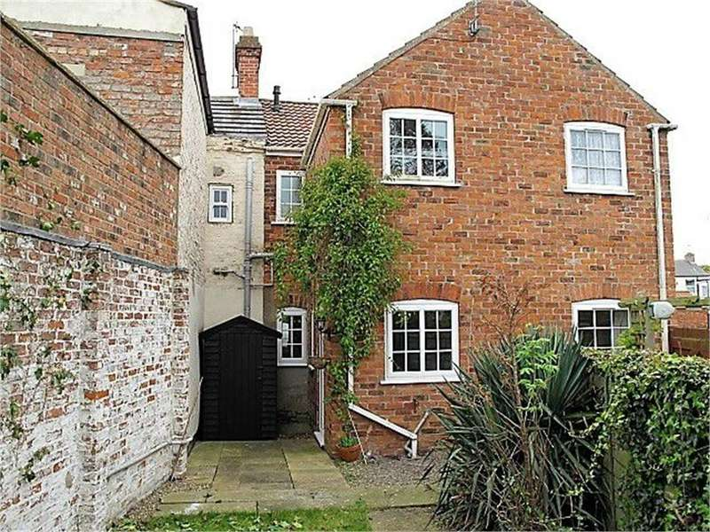 2 Bedrooms Cottage House for sale in 29, Northside, Patrington