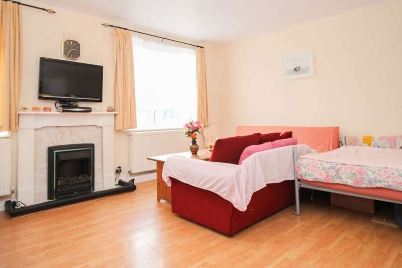 2 Bedrooms Flat for sale in High Street, Cheam, Sutton, SM3