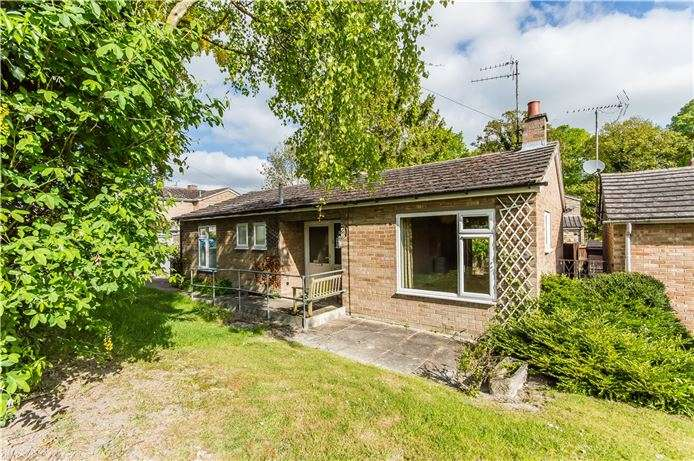 2 Bedrooms Bungalow for sale in The Maples, Fulbourn, Cambridge