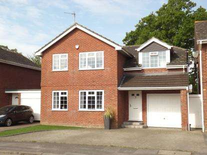 4 Bedrooms Detached House for sale in Burton, Christchurch, Dorset