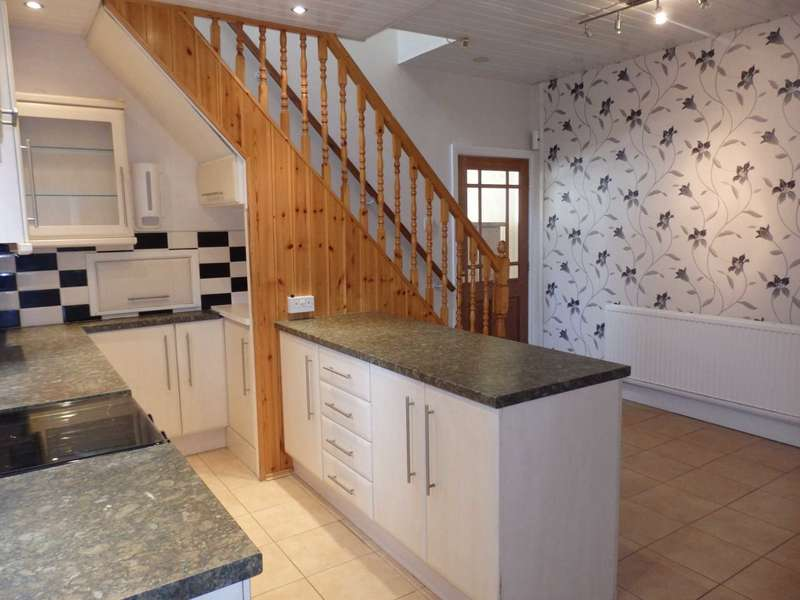 3 Bedrooms Semi Detached House for sale in Abbotsford Road, Heaton