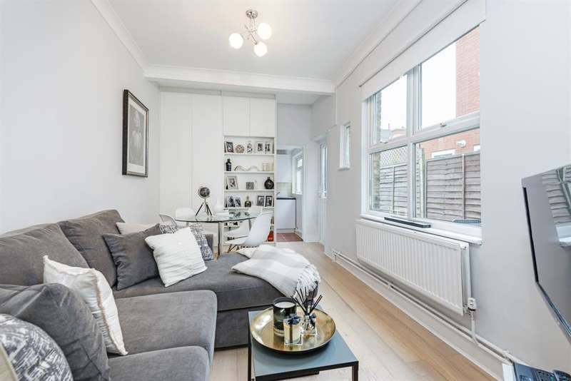 2 Bedrooms Flat for sale in Oak Grove, London, NW2 3LP