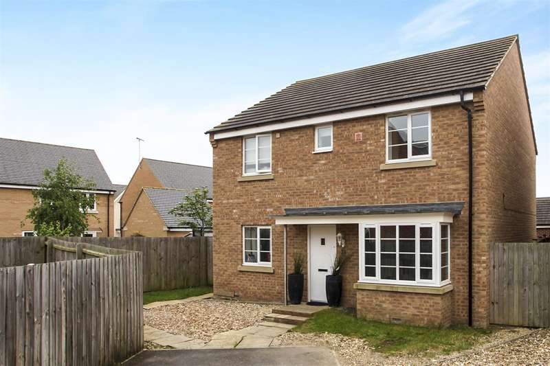4 Bedrooms Detached House for sale in Dukes Way, Hampton Vale, Peterborough, PE7
