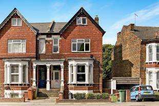 1 Bedroom Flat for sale in Carshalton Road, Sutton, Surrey