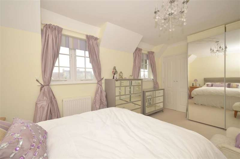3 Bedrooms Semi Detached House for sale in The Hamlets, Climping, West Sussex