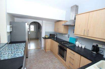 4 Bedrooms Semi Detached House for sale in Rogerson Terrace, Newcastle upon Tyne, Tyne and Wear, NE5