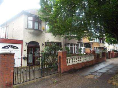3 Bedrooms Semi Detached House for sale in Queens Drive, Liverpool, Merseyside, England, L13