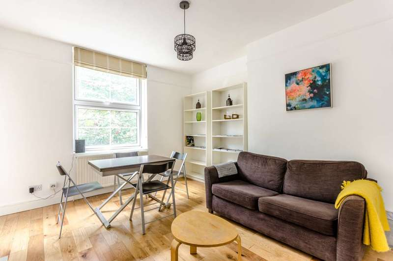 2 Bedrooms Flat for sale in St Katharines Way, St Katharine Docks, E1W