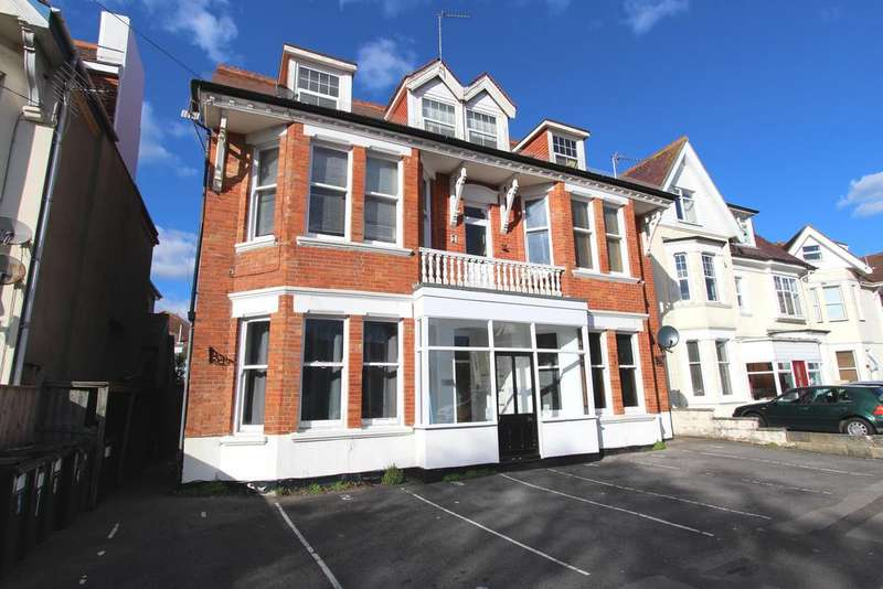 2 Bedrooms Ground Flat for sale in Glen Road, Bournemouth BH5