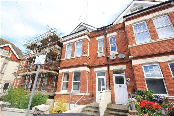 Studio Flat for rent in Windsor Road, Bournemouth