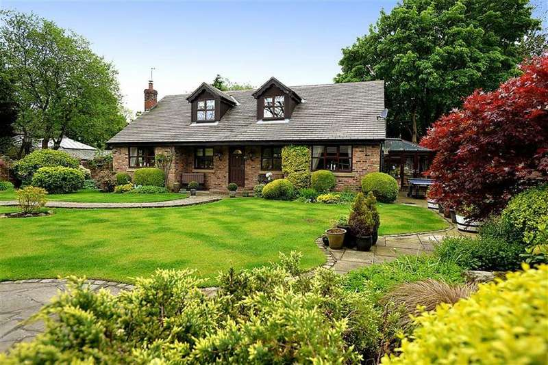 Detached House for sale in Oak Lane, Kerridge