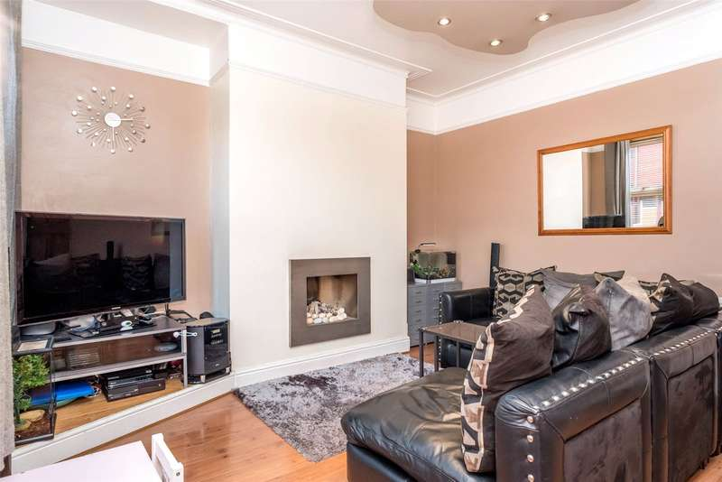 2 Bedrooms Terraced House for sale in Clifton Terrace, Leeds, West Yorkshire, LS9