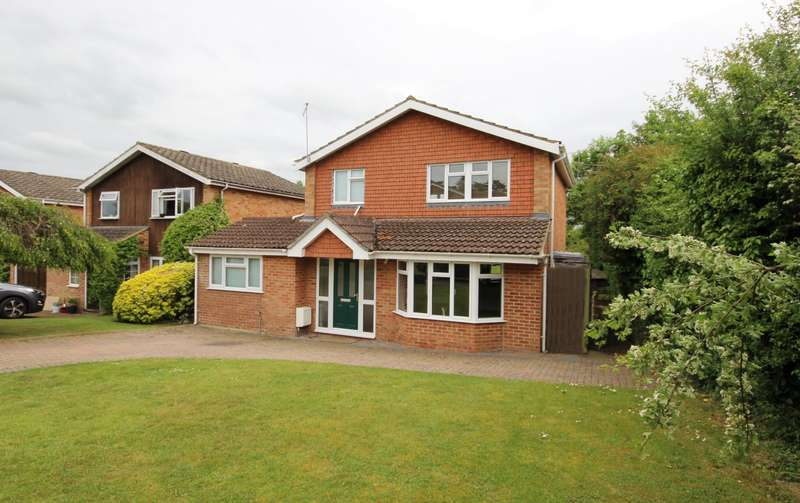 4 Bedrooms Detached House for sale in Ryecroft Close, Wargrave, Reading, RG10