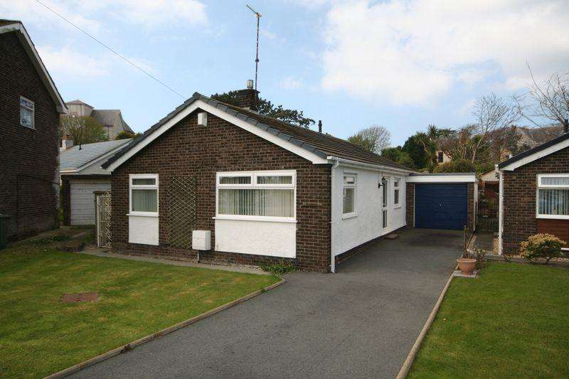 3 Bedrooms Detached Bungalow for sale in Garreglwyd Park, Holyhead