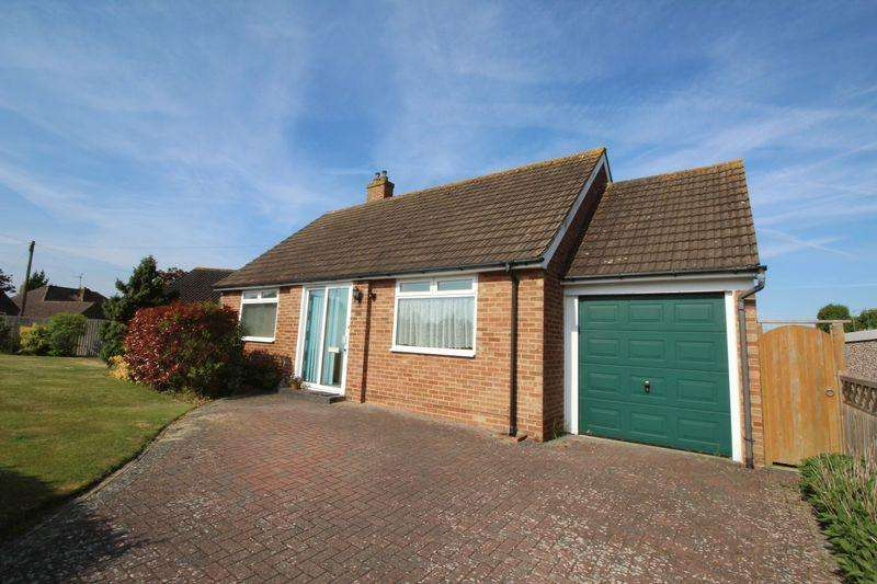 2 Bedrooms Detached Bungalow for sale in Windmill Drive, Burgess Hill