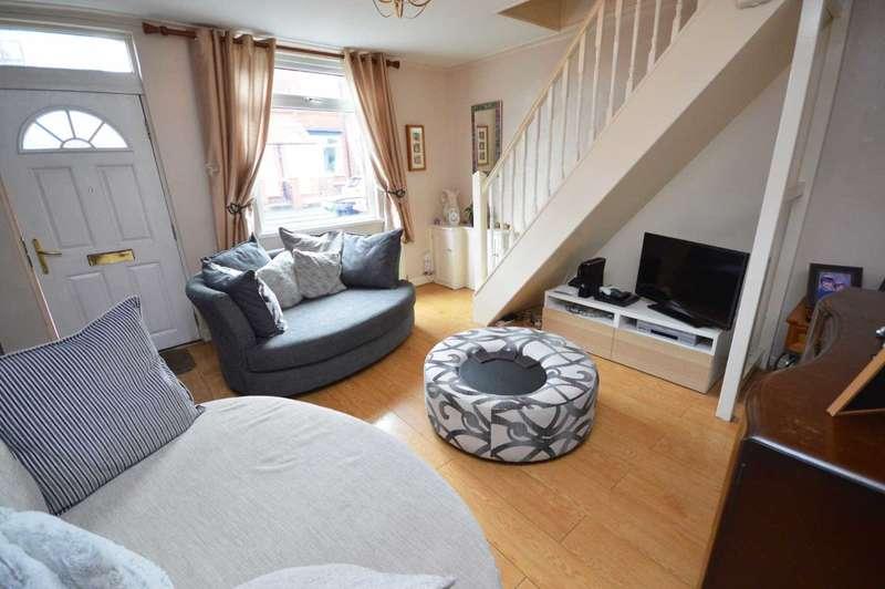 2 Bedrooms Terraced House for sale in Green Lane, Hazel Grove