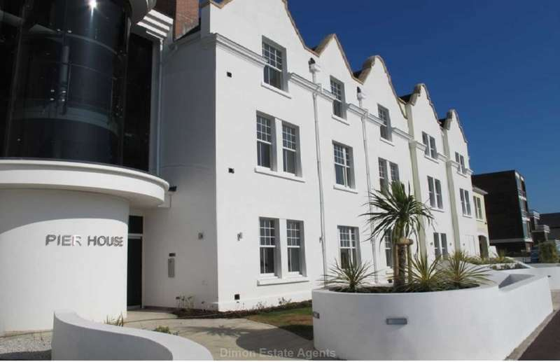 2 Bedrooms Flat for sale in Pier House, Lee On The Solent