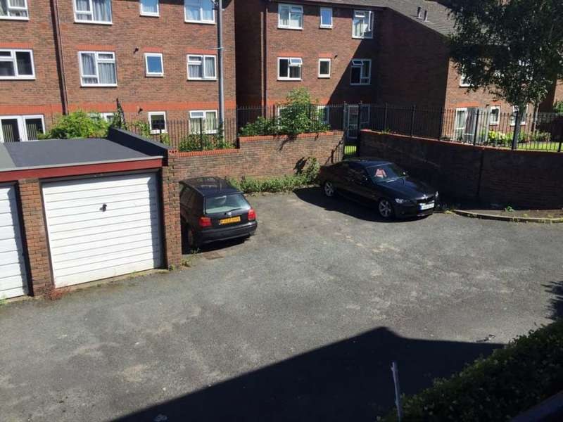 2 Bedrooms Flat for sale in Sun Lane, Gravesend