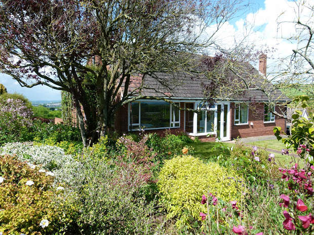 4 Bedrooms Detached Bungalow for sale in Little Silver Lane, Matford, Exeter, EX2